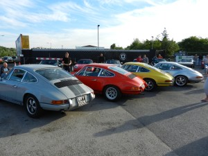 Early cars? Spot the 964!!!