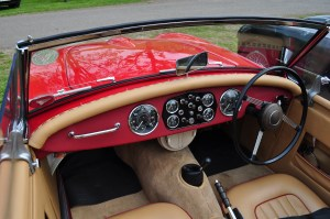 Cockpit & dashboard of the red Doretti