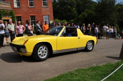Porsche 914 running up the hill