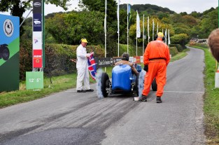 Smoking tyres off the start line!