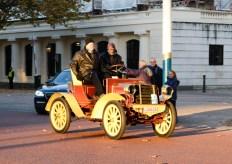Eddie Jordan at the wheel of a 1901 Benz Spider