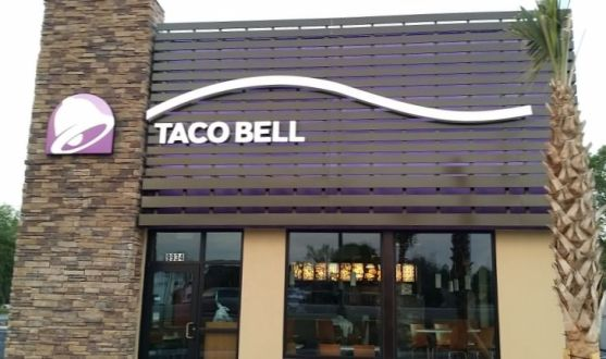 Taco Bell. National Sign Comp[any