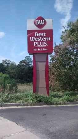 Best Western Plus Midrise Pylon