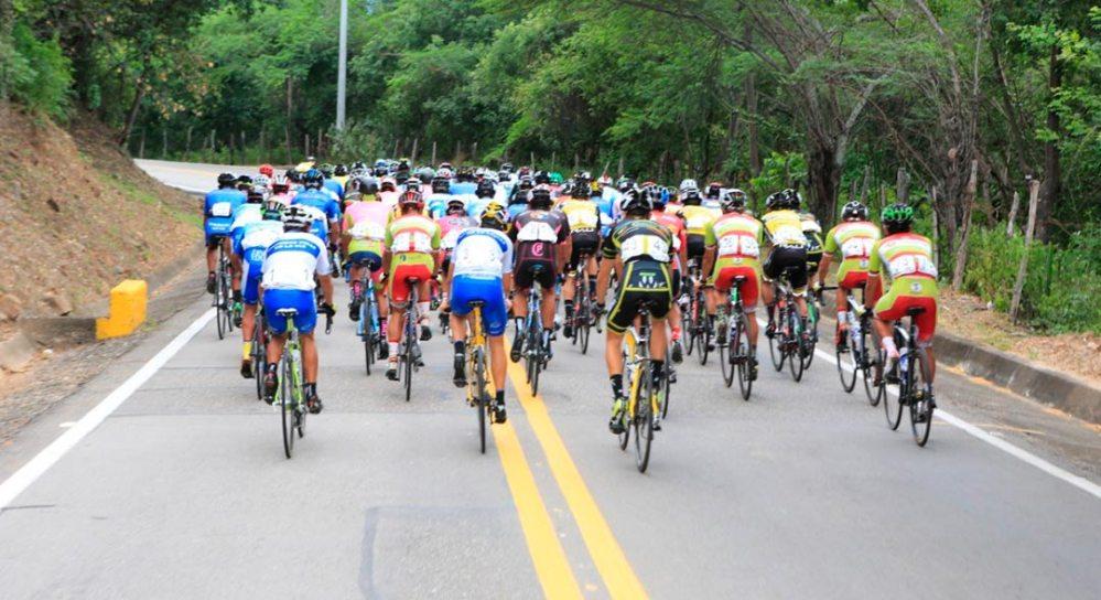 masiva participación en la 42 vuelta a Cundinamarca.