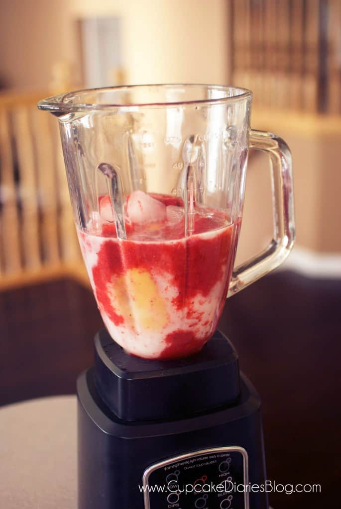 strawberry-blonde-drink-blender
