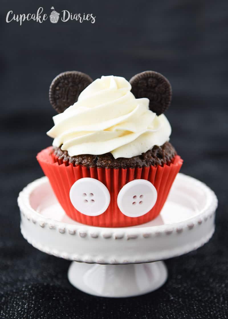 Mickey And Minnie Cupcakes