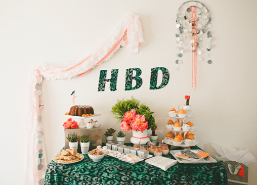 tablecloth streamers by a party table