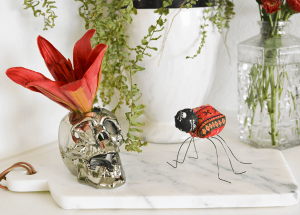 I hate bugs but I love these darling fabric creepy crawlers. I love that they are non-scary Halloween decorations.