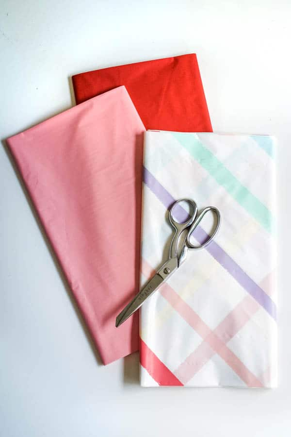 How to Make plastic party streamers
