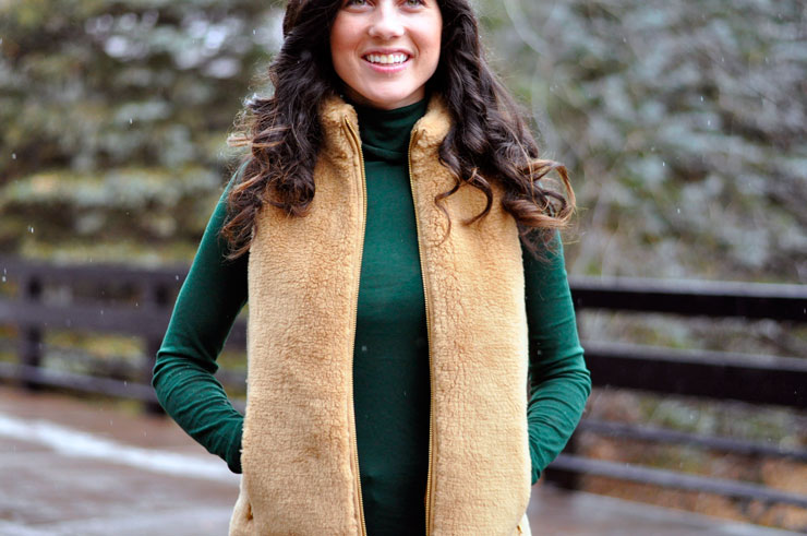 Forest Green Tissue Turtleneck and JCrew Fur Vest in Telluride Colorado | www.cupcakesandthecosmos.com
