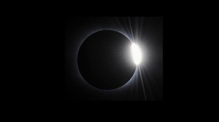 Diamond Ring during Solar Eclipse | www.cupcakesandthecosmos.com