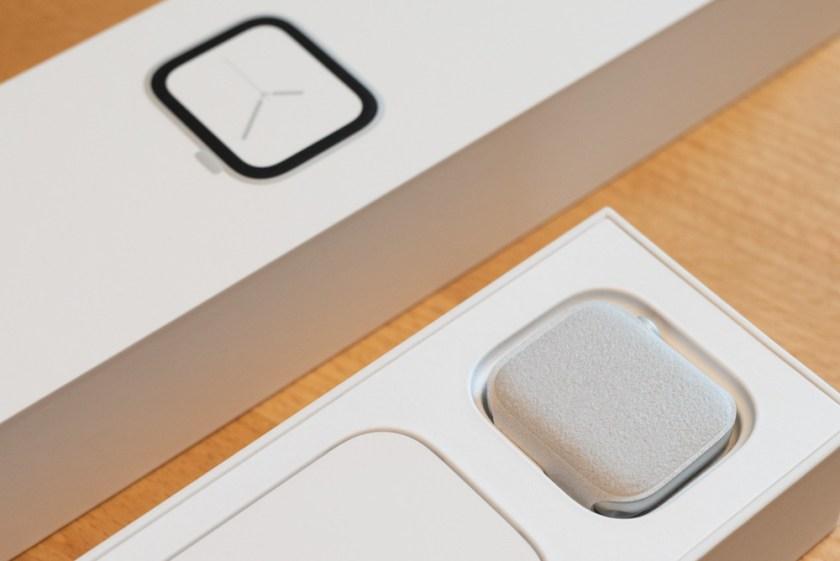 Apple Watch (Series 4)– Karton innen