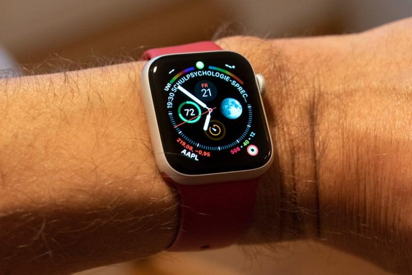 Apple Watch (Series4): Infograph-Ziffernblatt