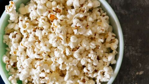 learn how to pop popcorn on the stovetop easily