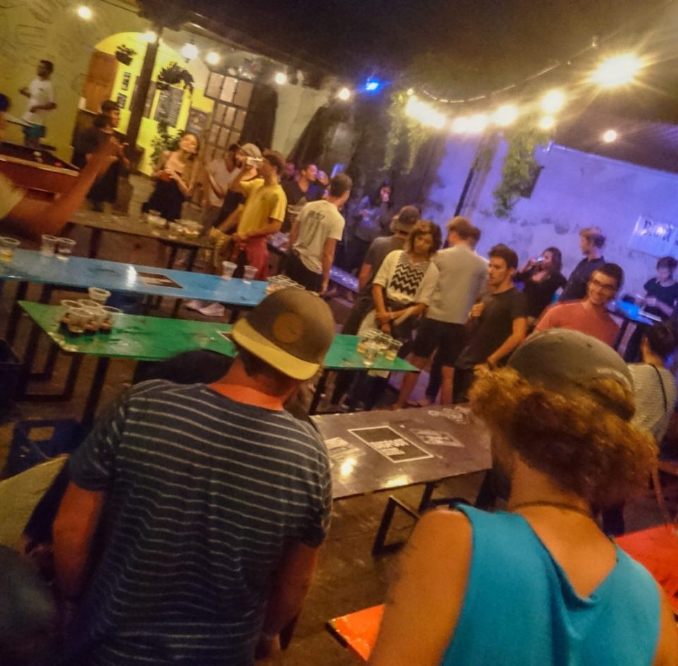 The best bars in Antigua, Guatemala | Nightlife Antigua | Big Foot Hostel Beer Pong Tournament Thursday | Latin America travel guides by Cuppa to Copa Travels