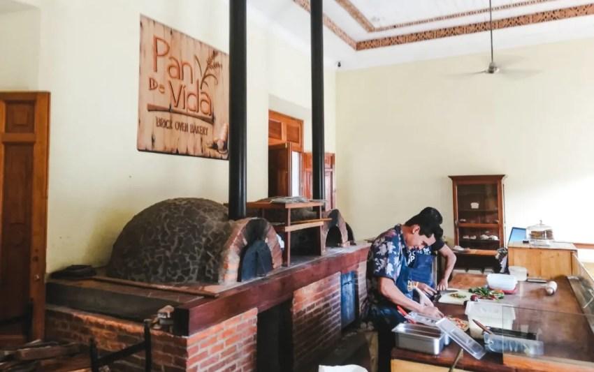 Best restaurants in Granada Nicaragua things to do hostels nightlife