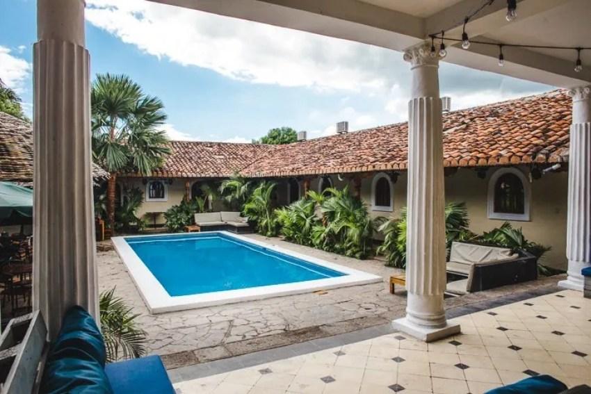 encuentros hotel nightlife in granada nicaragua pool