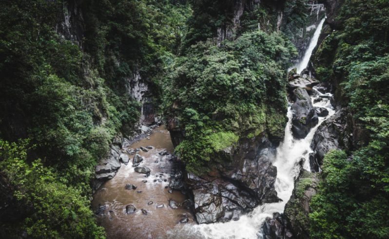 ruta cascadas waterfall baños ecuador backpacking bucketlist las penas best places to visit in ecuador