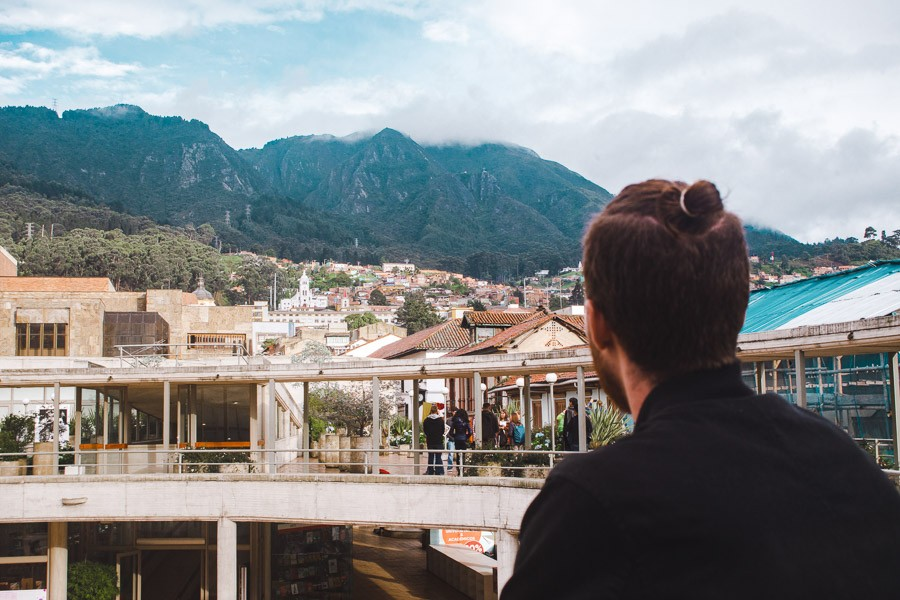 traveller in la candelaria: what to wear in bogota altitude
