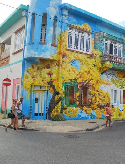 Art and Wine Walk Skalo with Avantia Damberg Curacao