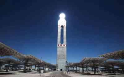 Chile conecta Cerro Dominador, la primera planta termosolar de Latinoamérica, construida por Acciona y Abengoa