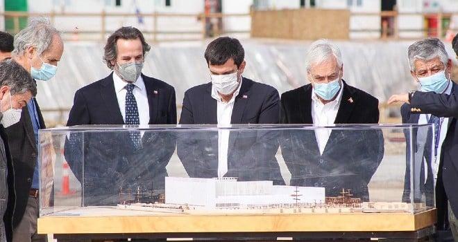 Presidente Piñera y Subsecretario Dougnac instalan primera piedra del nuevo Hospital de Linares