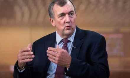 CEO de Barrick Gold advierte a políticos en Sudamérica que mayor control estatal de recursos alejará inversiones