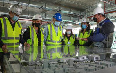 """Ministro Moreno en visita a obras del nuevo Hospital Salvador: """"Será un cambio significativo para medio millón de personas"""""""