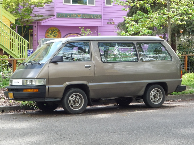 Curbside Classic: 1987 Nissan Van – How Did This Turkey Escape The ...