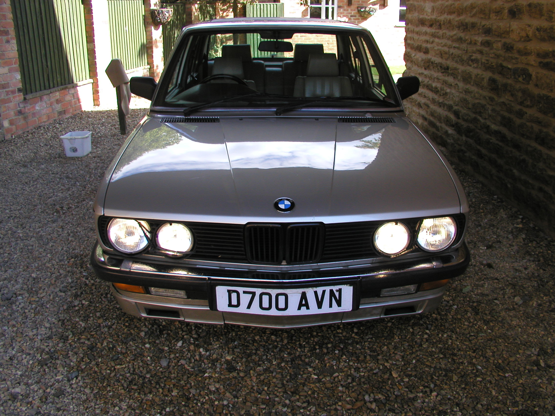 Bmw driving gloves uk - A Couple Of Days Ago I Locked The Door To My Car I Was Wearing A Long Herringbone Coat Driving Gloves And My Best Black Shoes This Isn T Unusual