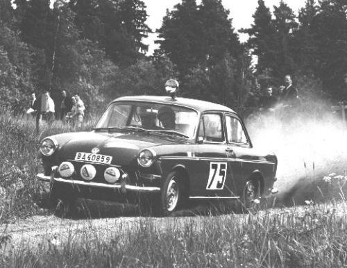 VW 1500 Midn64