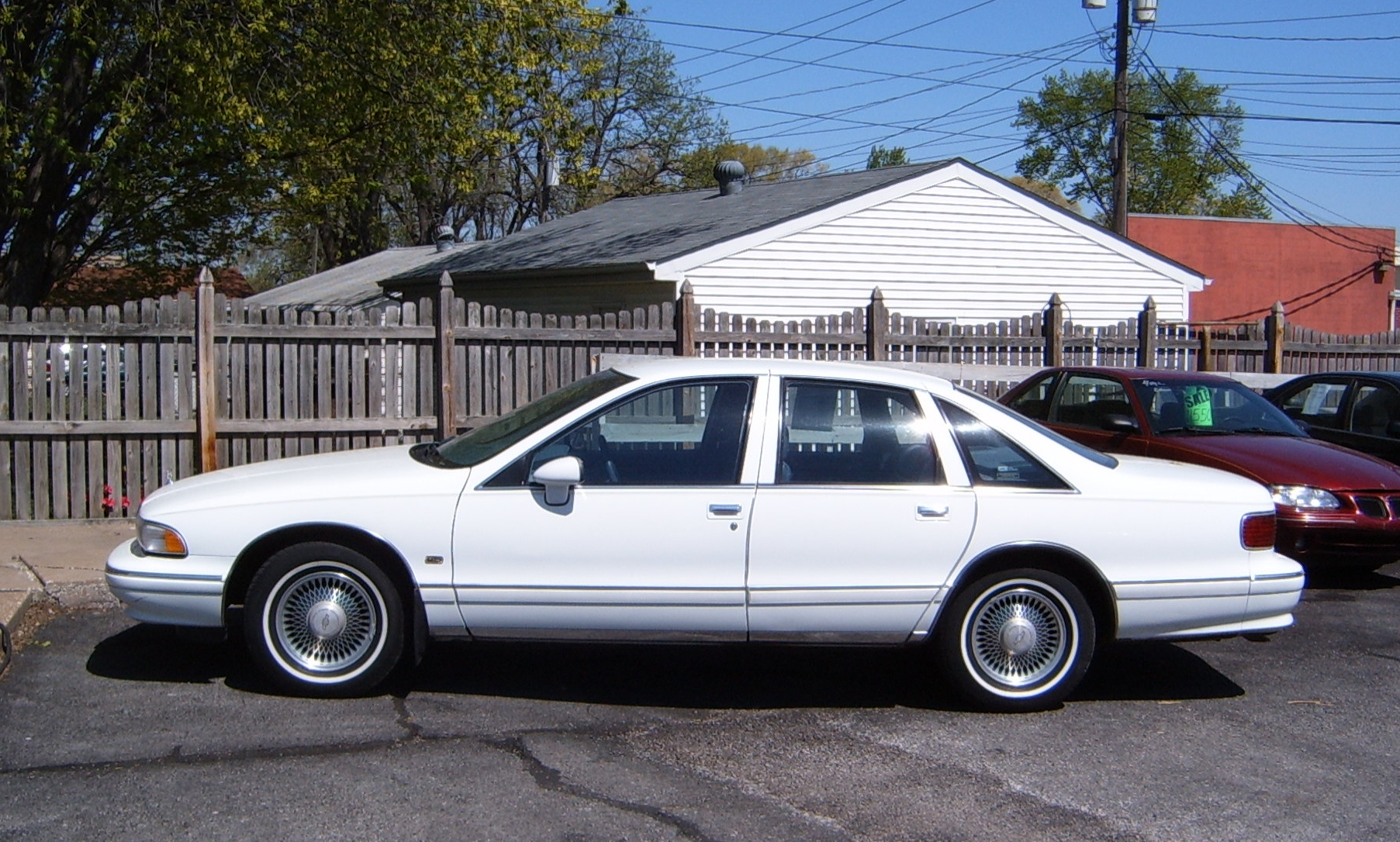 Due to the polarizing styling chevrolet wasted no time in modifying the sheetmetal for 1993 the caprice lost its rear wheel spats changing the whole look