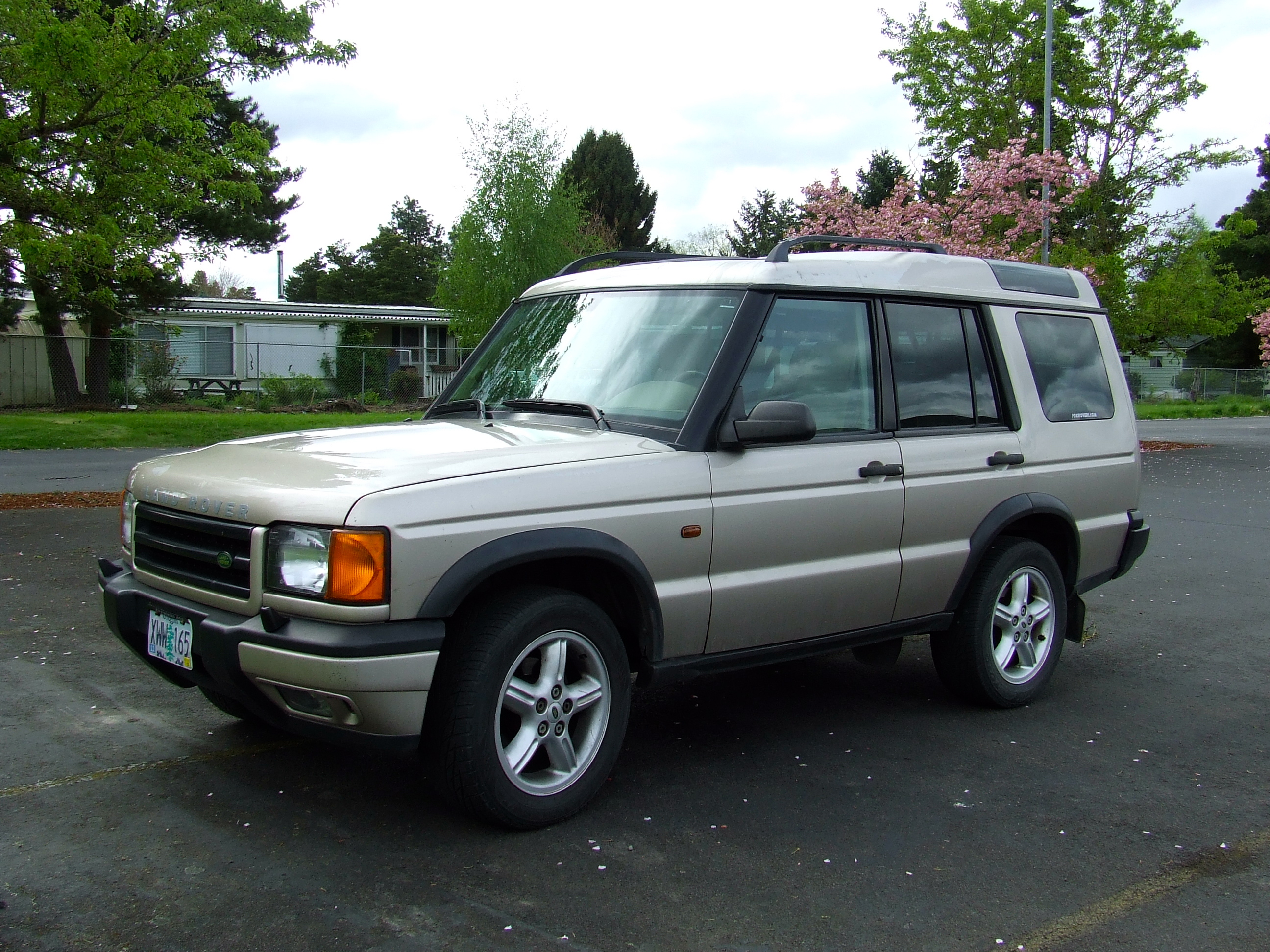 Cars of a lifetime 2000 land rover discovery ii se7 oops i did it again