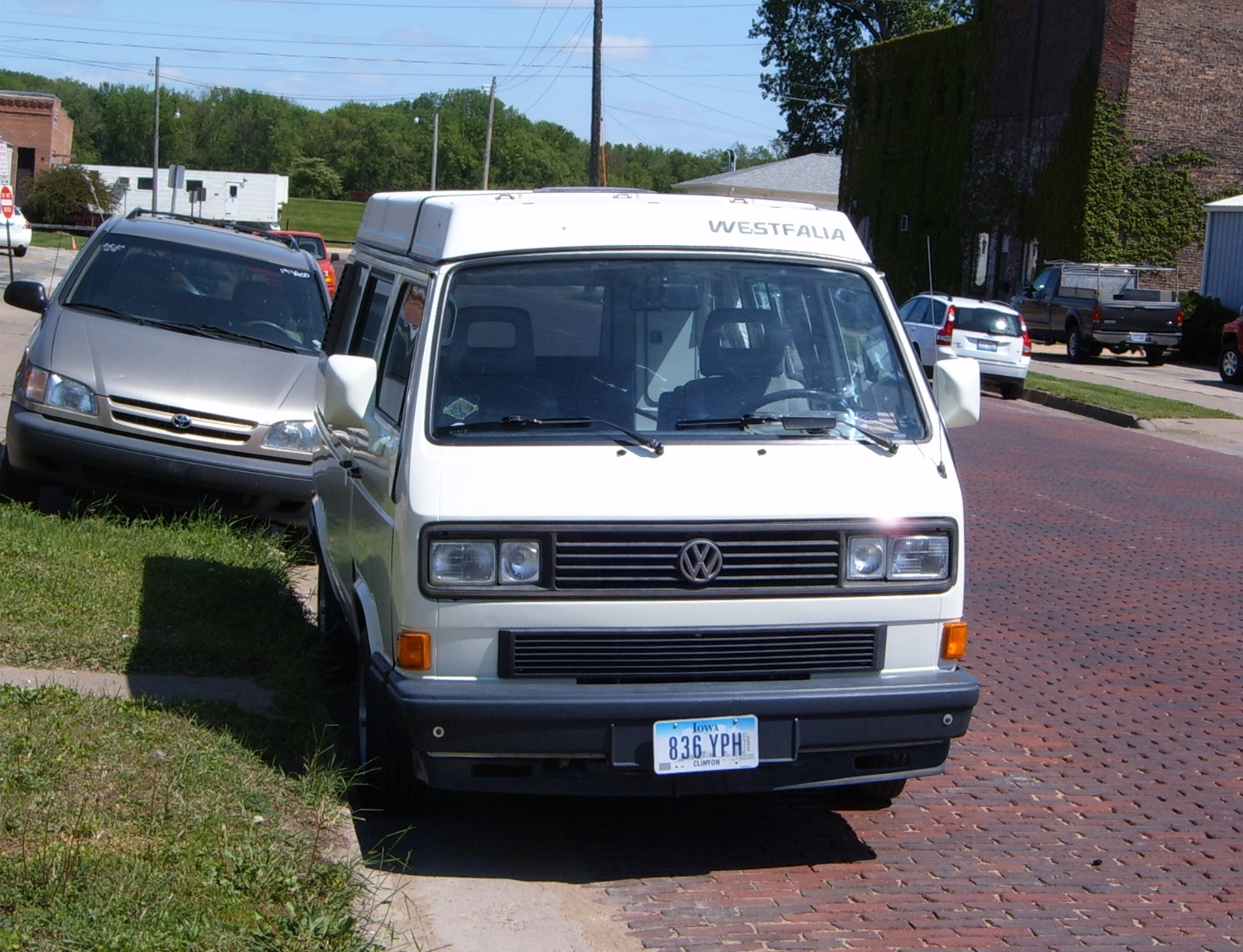 Volkswagen bus vanagon take a look volkswagon new interior run and - Interestingly Westfalia Vanagons Were Not Called Such In Literature And Advertising They Were Simply The Vanagon Camper Though Westfalia The Winnebago