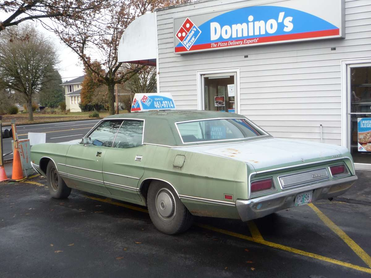Curbside Classic 1971 Ford Galaxie 500 Dominos Delivers Even If 1970 Police Car Oh Boy