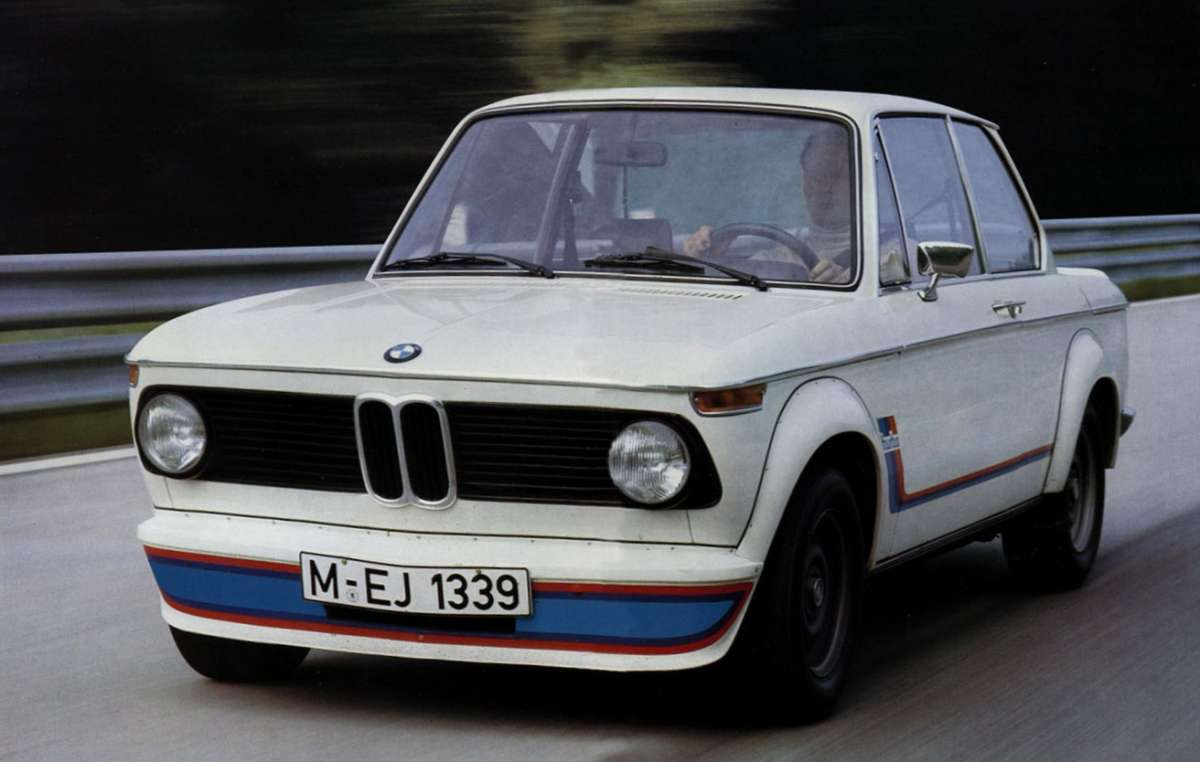 curbside classic 1976 bmw 2002 the ultimate big bumpered driving machine. Black Bedroom Furniture Sets. Home Design Ideas