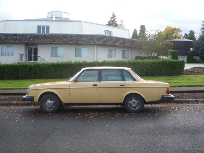 Curbside Classic Volvo Best Value Box