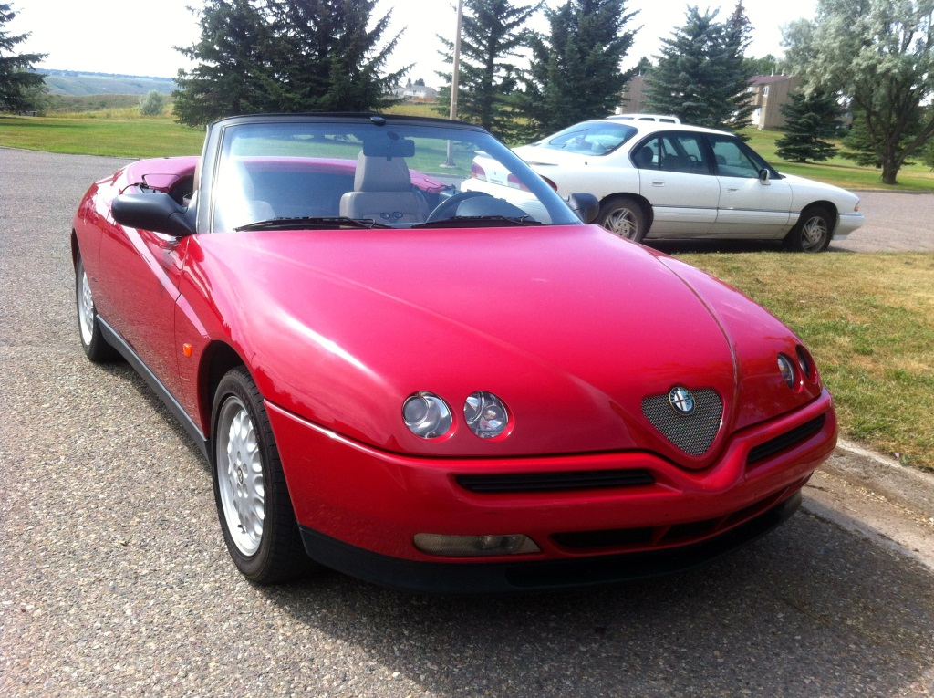curbside classic 1996 alfa romeo spider forbidden italian fruit. Black Bedroom Furniture Sets. Home Design Ideas