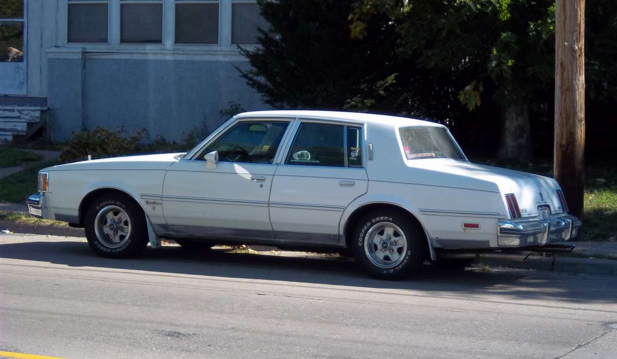 Curbside classic 1986 oldsmobile cutlass supreme brougham sedan why brougham when you can supreme brougham
