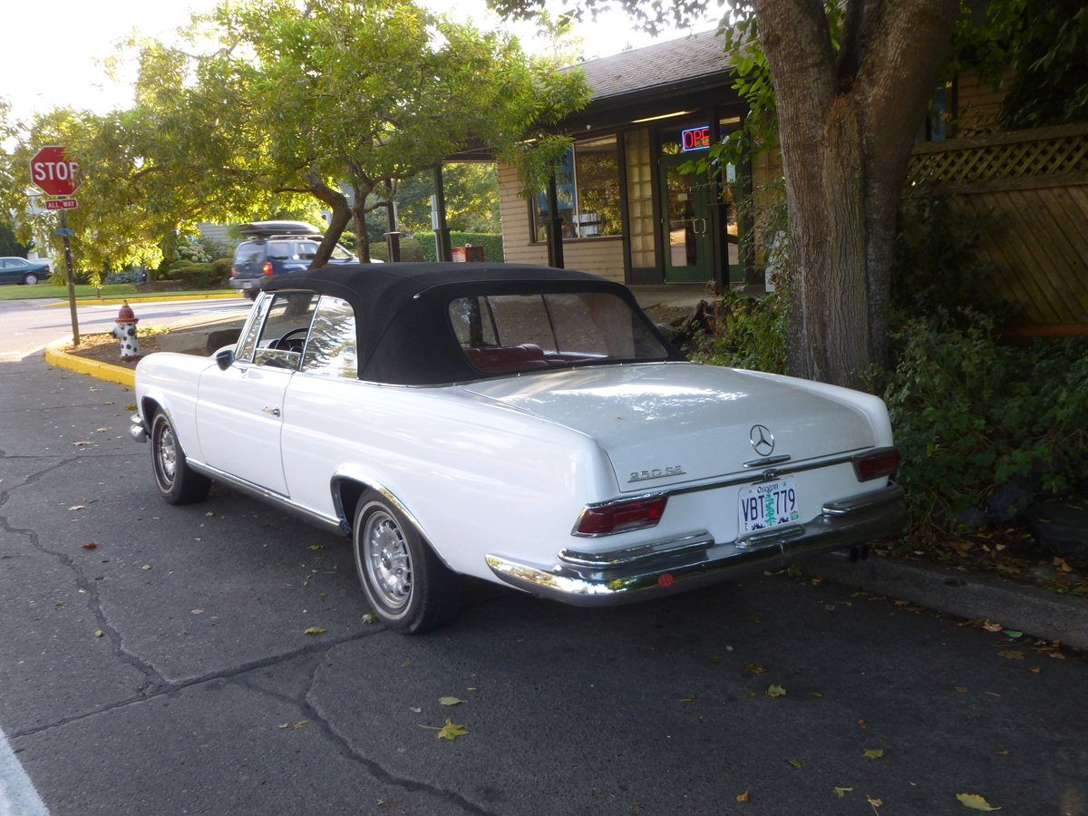 Curbside Classic: 1966 Mercedes 250SE Cabriolet (W111) – The ...