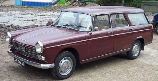 Peugeot_404_Familiale_52