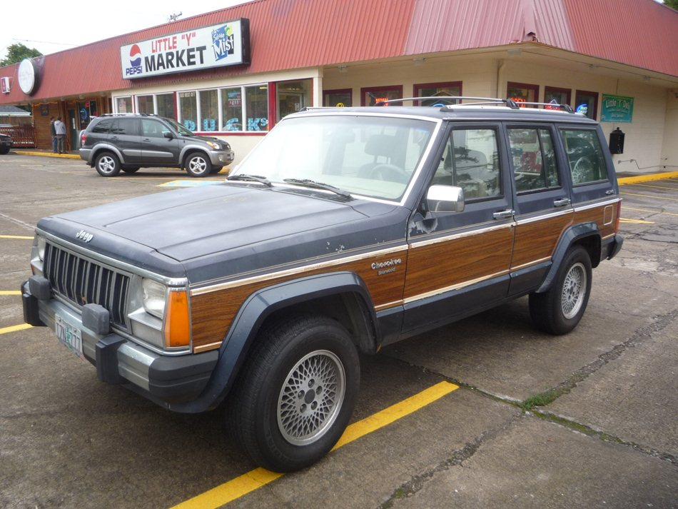 "From 1991 through 1993, the Cherokee Briarwood kept the woody-Jeep theme  alive a few more years. ""Briarwood"": Who the hell came up with that? - XJ Day Outtake: Jeep Wagoneer Limited €� The Woody Cherokee Just"