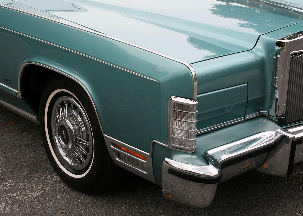 Ebay Find: Triple Aqua 1979 Lincoln Continental Town Car – I\'m In Love!
