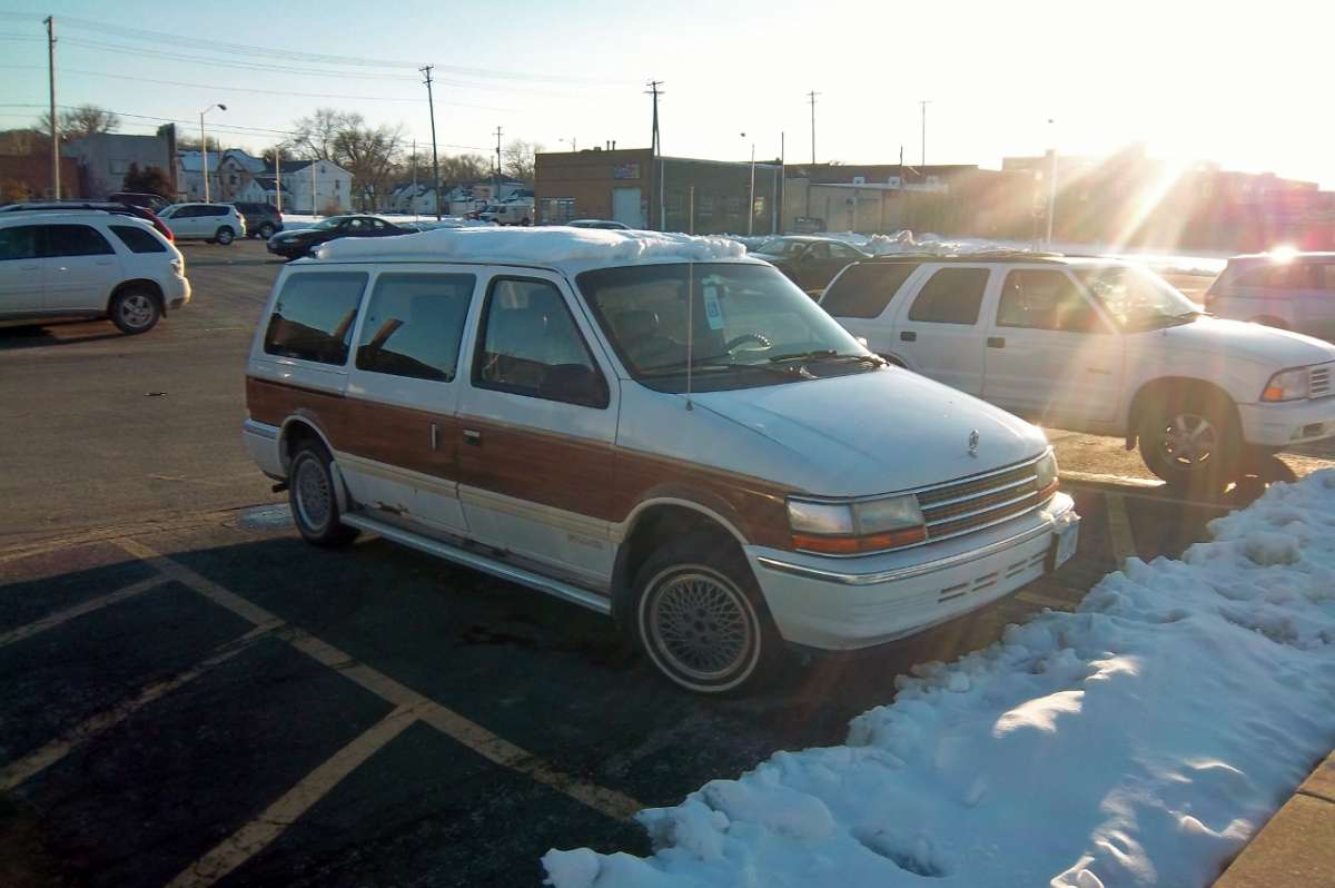 Cc capsule 1991 plymouth grand voyager le awd not dodging the options