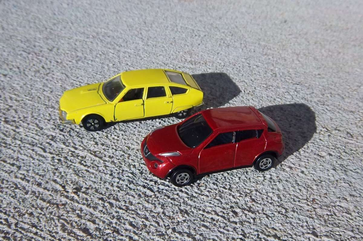 Miniature Curbside Classic Citroen Cx By Playart And Nissan Juke By