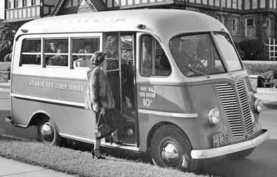IH Metro school bus