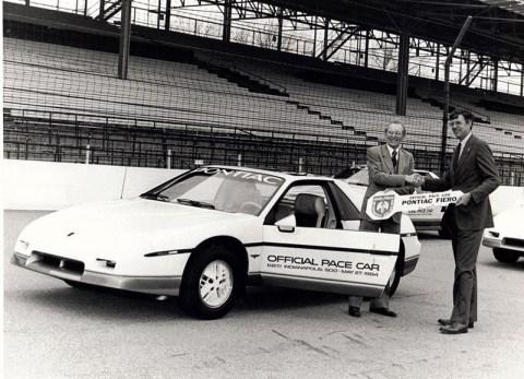 1984FieroPaceCar03