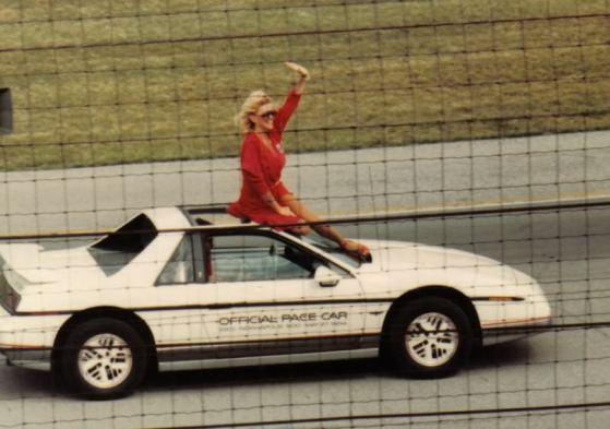 1984FieroPaceCar09