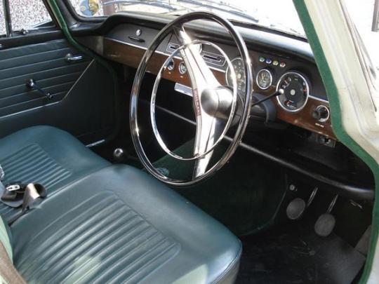 Hillman Super Minx 1966 int