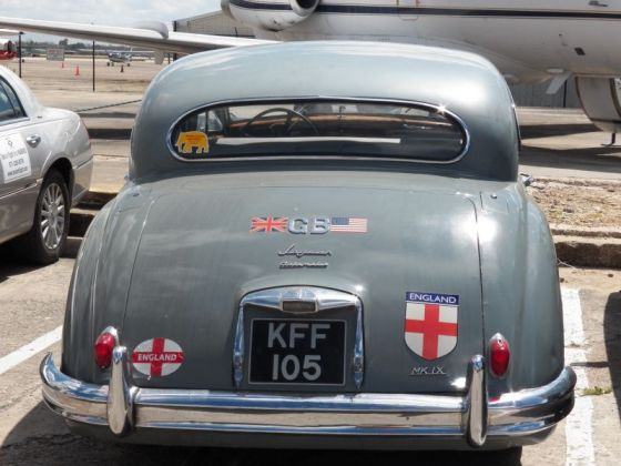 pic006 Jaguar Mark IX rear